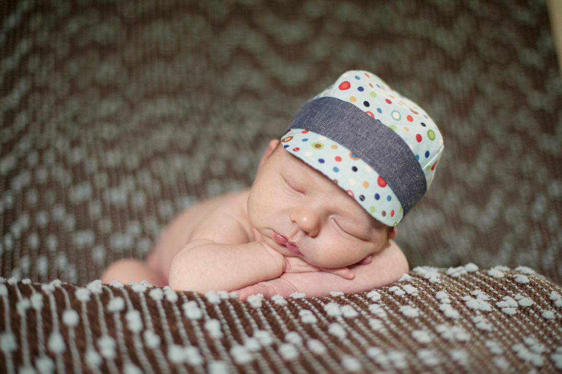 Birth, Newborn, Family Photographer in the Quad Cities